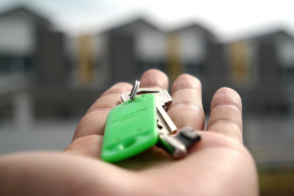 Como comprar uma casa com família ou sozinho